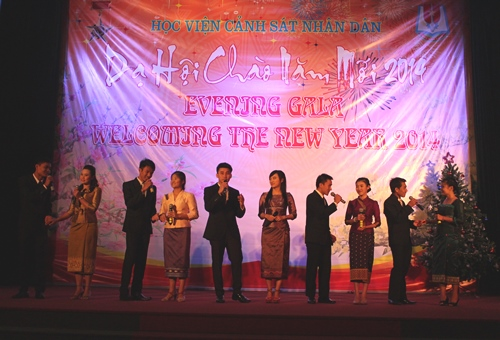 "Laotian students and the item ""Viet - Lao sentiment"""
