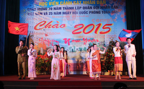 "Lao's students at the PPA performed the song ""Hanoi - Vientiane"""