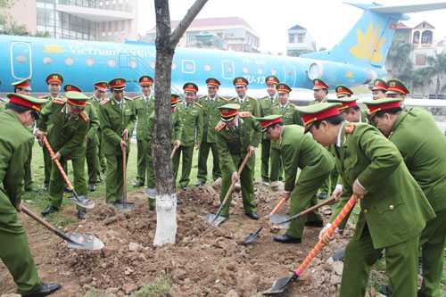 The Directorate, officers and students of the PPA planted trees on the occasion of lunar new year 2015
