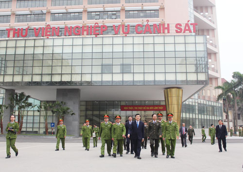 President Truong Tan Sang and representatives visited the campus of the PPA