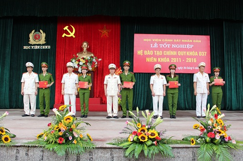 Directorate of the PPA presented the Bachelor's Degree to the students of course D37