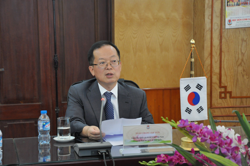 Mr. Chang Jae Yun - KOICA Vietnam Country Director hoped that the project would contribute to improving the capacity for developing and operating the e-library software for the PPA