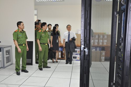 The representatives visited the Server room of the E-Library