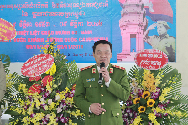 Major General, Assoc.Prof.Dr Dang Xuan Khang, Vice President of the PPA requested the Cambodian students to try the best, overcome all disadvantages to gain the good results in study and practice at the PPA.