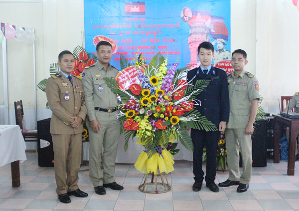Students of criminal justice system congratulated the Cambodian students.