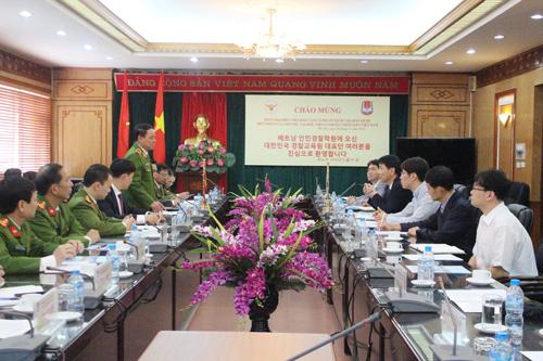 Viện Đào tạo Cảnh sát Hàn Quốc thăm và làm việc tại Học viện CSND