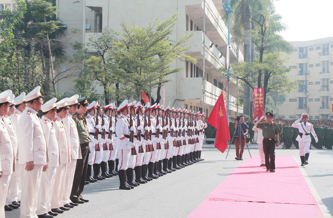 H.E. Senior Lieutenant General, Prof. Dr. To Lam - Member of Politburo of the Communist Party of Vietnam, Minister of Public Security and Lieutenant General Nguyen Xuan Yem, President of the PPA inspected the Guard of Honor.