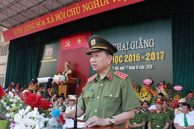 H.E. Senior Lieutenant General, Prof. Dr. To Lam - Minister of Public Security assigned tasks for the PPA in the new academic year 2016 - 2017