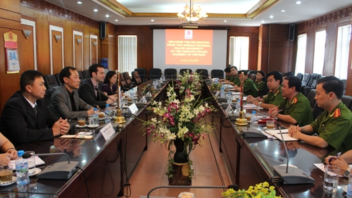 Lãnh đạo Học viện CSND làm việc với đoàn chuyên gia khảo sát dự án xây dựng năng lực về phòng chống tội phạm mạng cho các quốc gia trong khu vực của cơ quan Hợp tác quốc tế Hàn Quốc và Đại học Cảnh sát quốc gia Hàn Quốc