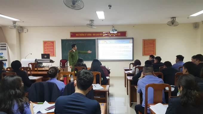 Training on identifying high-tech crime for officials and prosecutors of Hanoi People's Procuracy